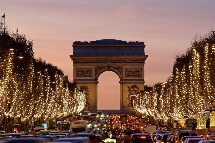 Avenue des Champs-Élysées4