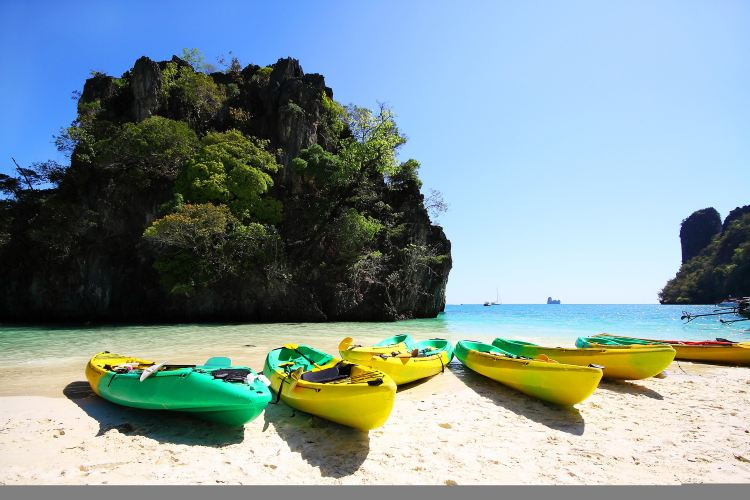 Hong Island3