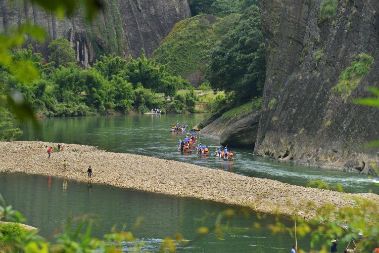 Jiuquxi Bamboo Rafting3