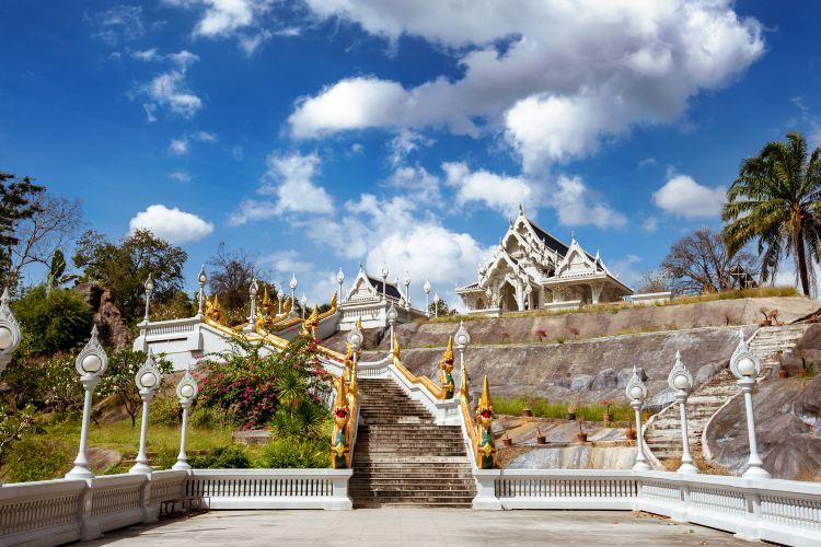 Wat Kaew Ko Wararam2