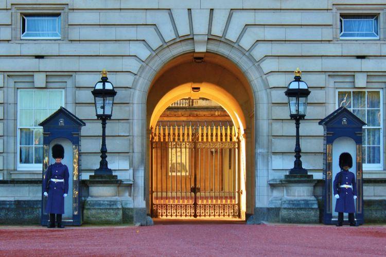 Buckingham Palace4