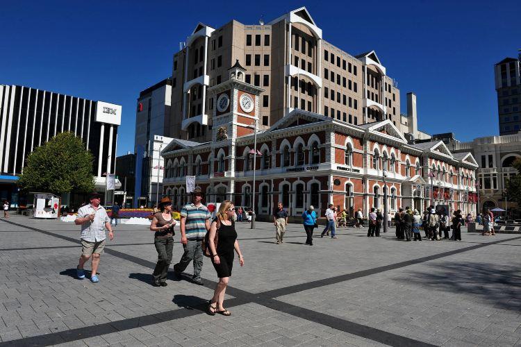 Victoria Square2