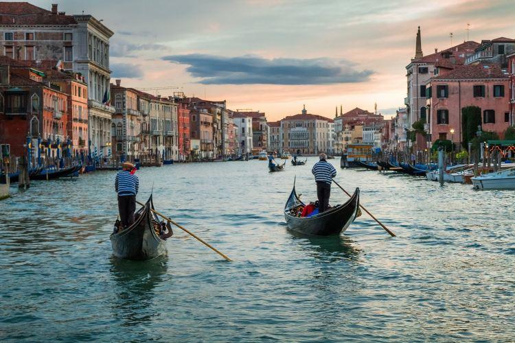 Gondola Rides2