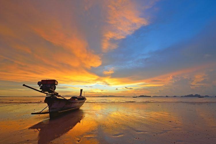 Khlong Muang Beach1