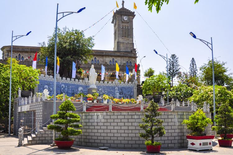 Nha Trang Cathedral4