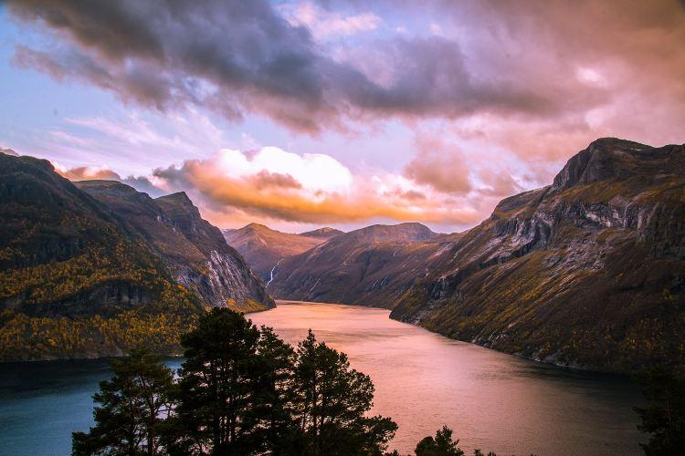 Geiranger Fjord2