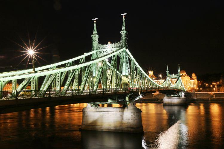 Liberty Bridge1