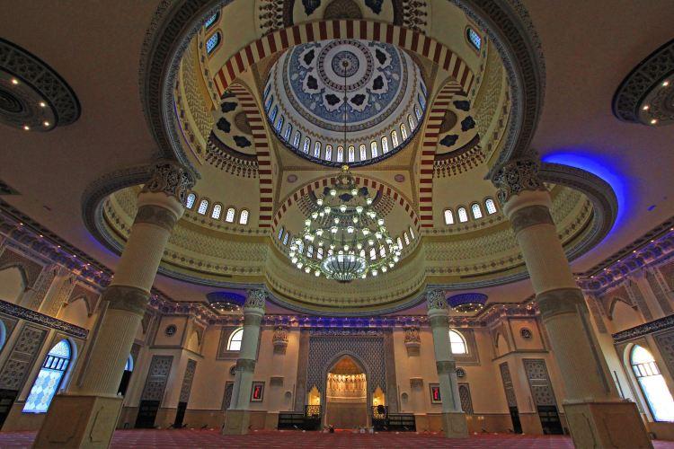 The Al Farooq Omar Bin Al Khattab Mosque And Centre4
