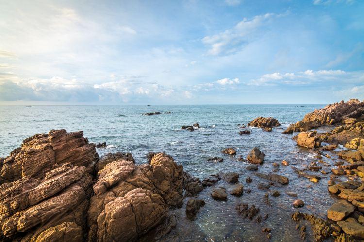 Fangchenggang Guaishi (Strange Stones) Beach1