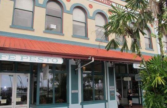 Cafe Pesto Hilo Bay1