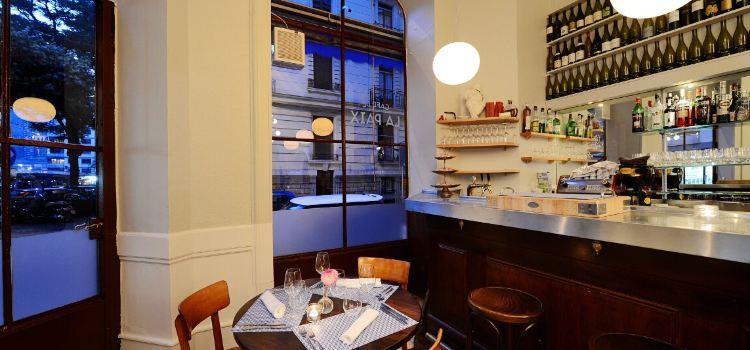 Cafe De La Paix1