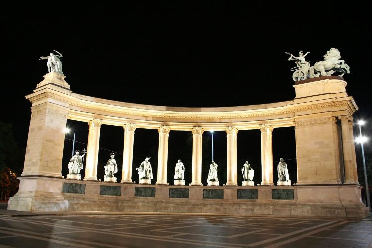 Heroes' Square1