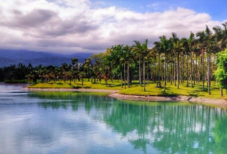 Menghuan Pond