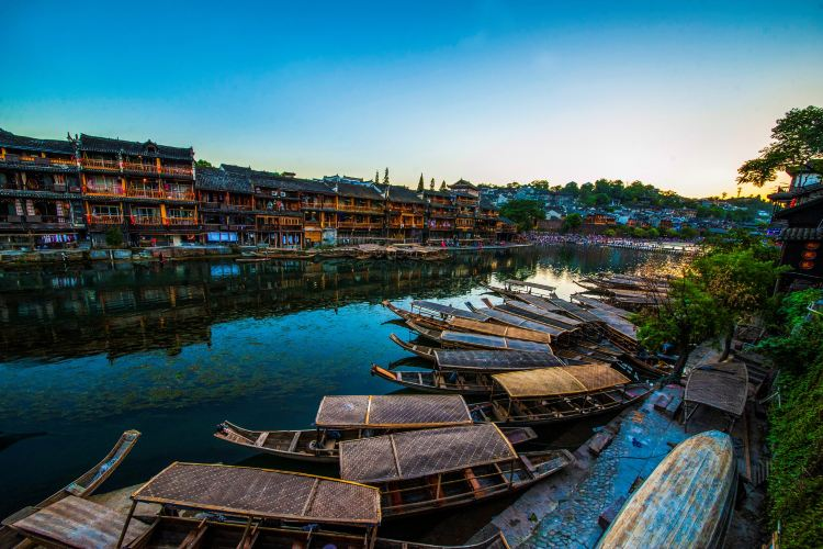 Fenghuang Ancient Town4