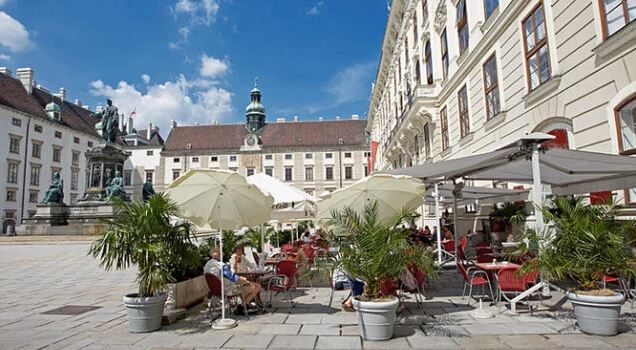 Cafe Hofburg1