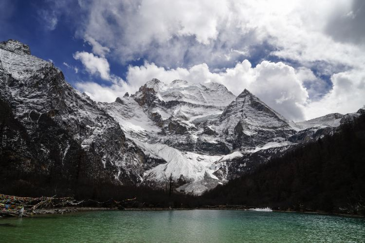 Yading Tubu Xiaozhuan Mountain2