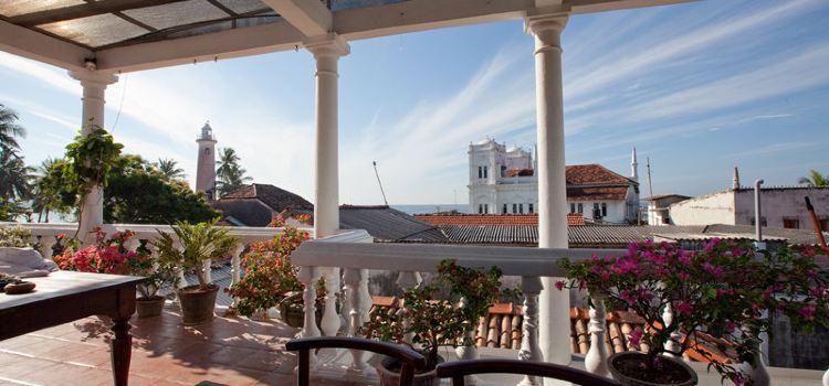 mamas Galle fort roof cafe1