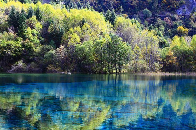 Jiuzhaigou Scenic Area1