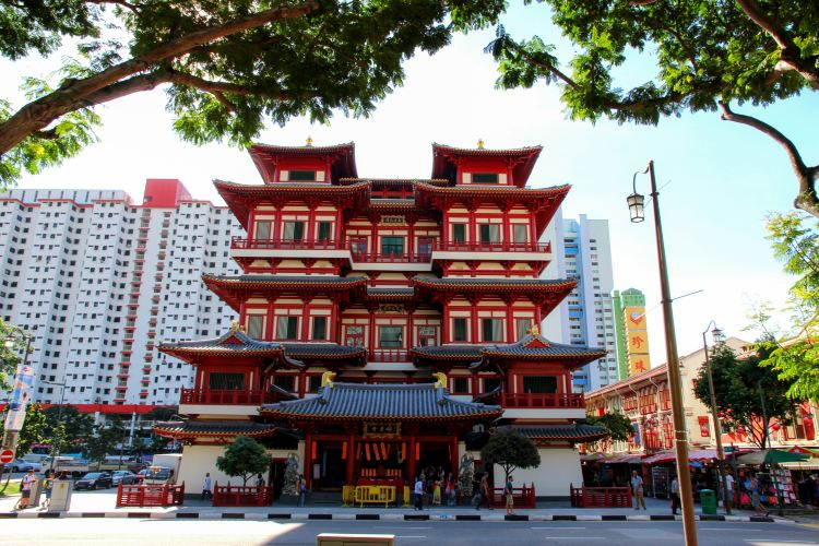 Buddha Tooth Relic Temple1