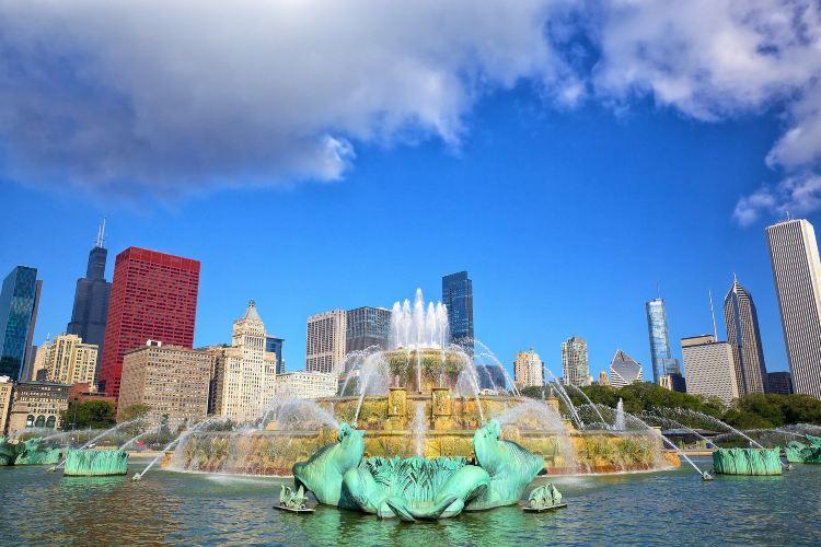 Clarence Buckingham Fountain1