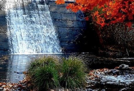 Jinglian Waterfall