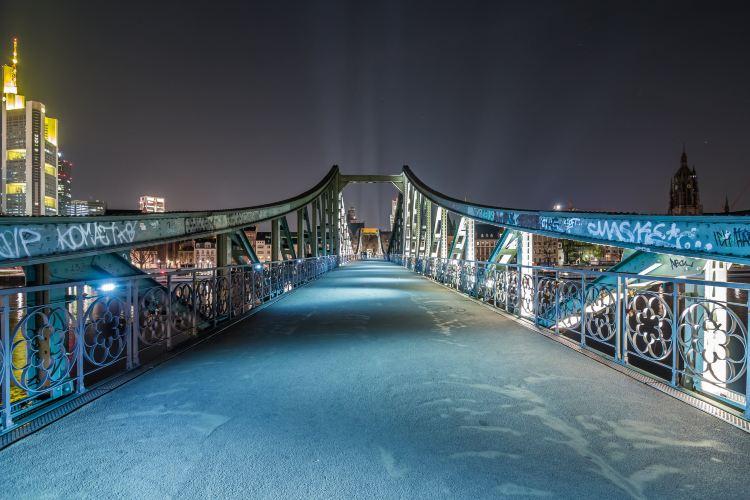 Iron Footbridge2