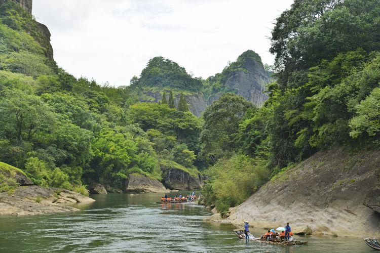 Jiuquxi Bamboo Rafting4
