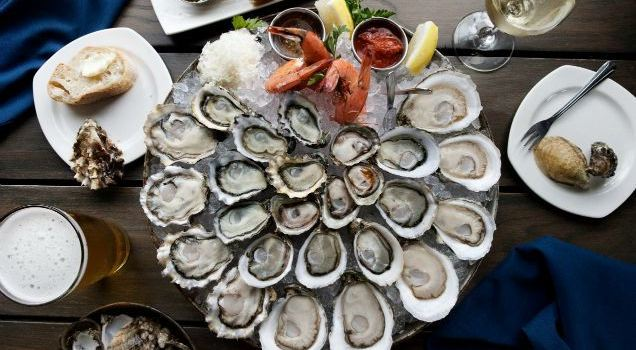 Taylor Shellfish Oyster Bar3