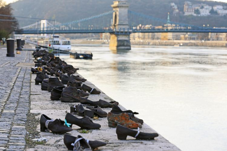 Shoes on the Danube Bank1
