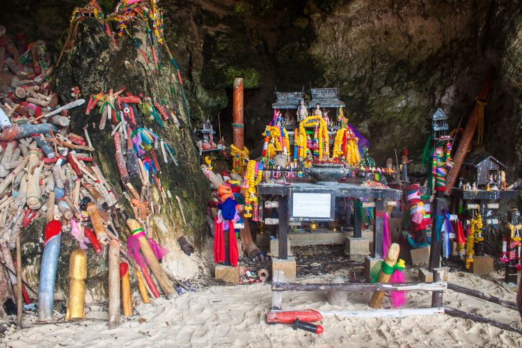 Phra Nang Cave3