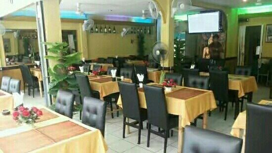 Curry Hut Indian Restaurant