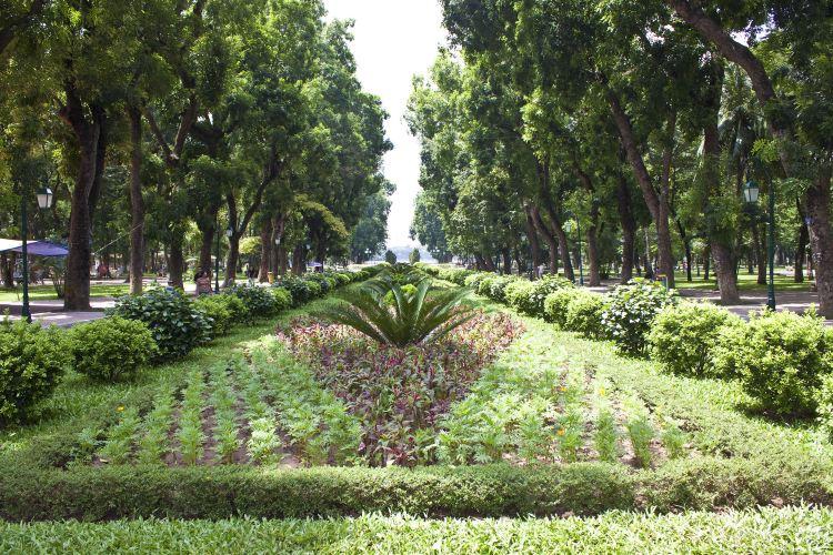 Lenin Park3