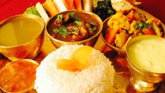 Cozy Cafe & Restaurant