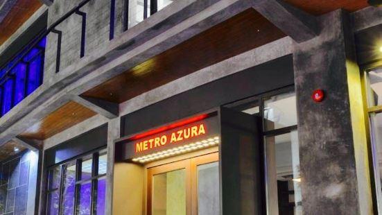 Metro Azura