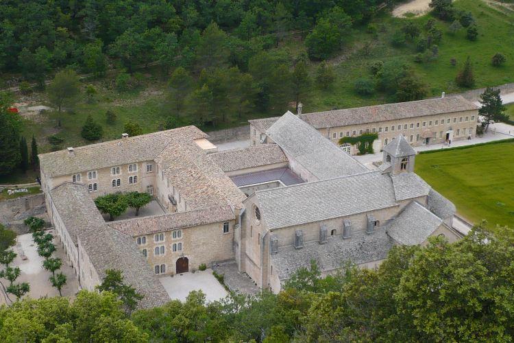 セナンク修道院3