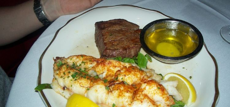 Golden Steer Steakhouse2