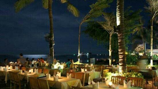 Coco51 Restaurant & Bar, by the Sea