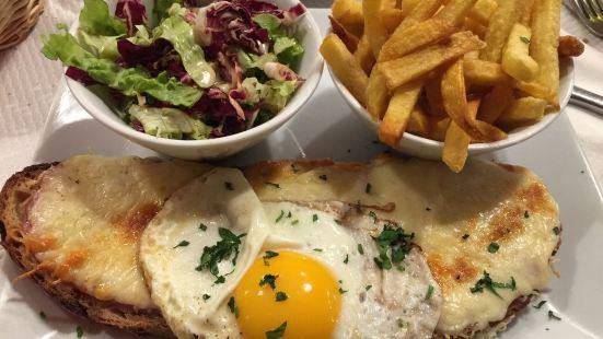Cafe Le Chinon