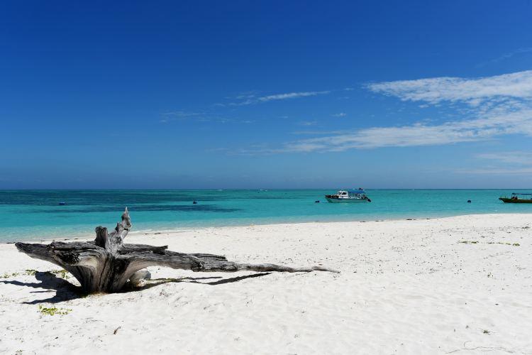 Mengalum Island3