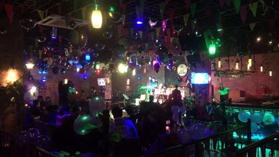 楊果音樂酒吧