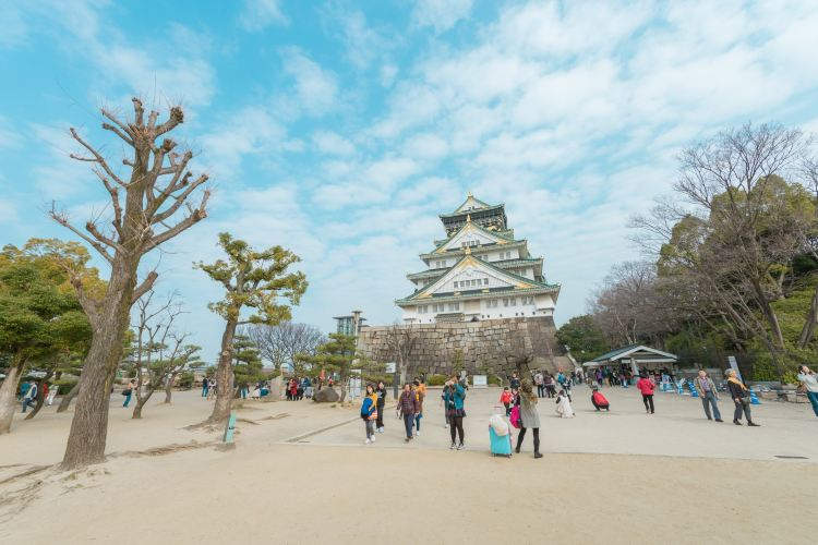 Osaka Castle Park1