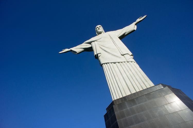 Jesus Christ's Statue4