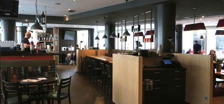 Bistro Cafe Hummel2