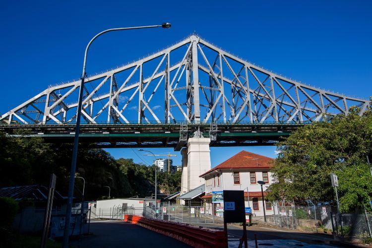 Story Bridge3