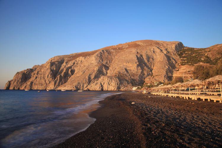 Kamari Beach1