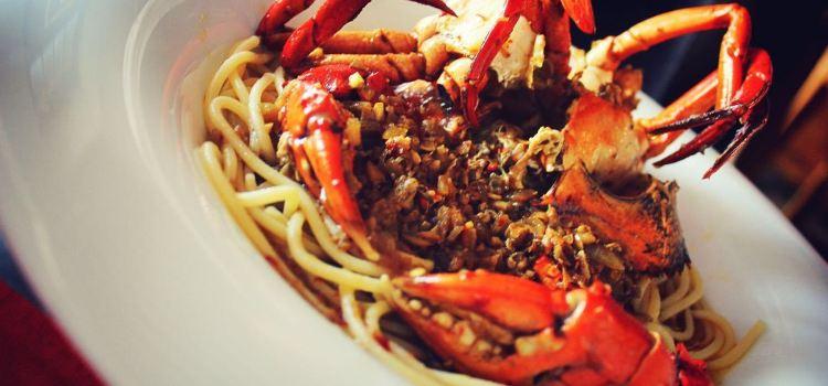The Tuna & The Crab1