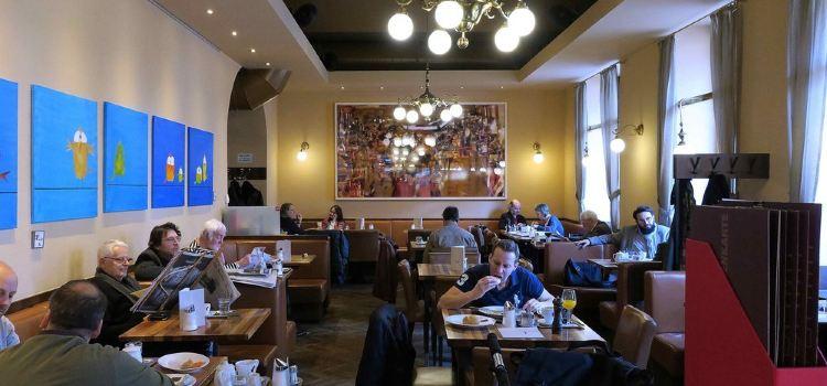 Bistro Cafe Hummel1
