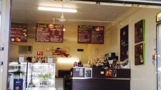 Tinys Juice Bar Cafe