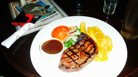 Gilhooleys Irish Bar and Restaurant