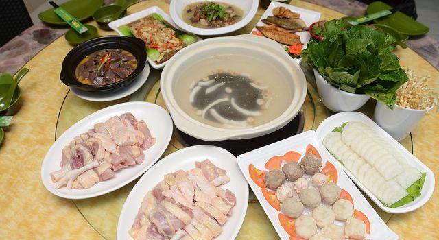 龍泉人椰子雞湯(龍昆南路店)1